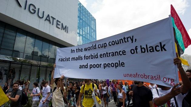 """Fotos: Manifestantes brasileños exigen poner fin al """"apartheid de negros y pobres"""""""