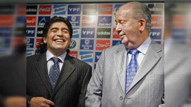 Maradona demandará a Grondona por seguir culpándolo de consumir drogas