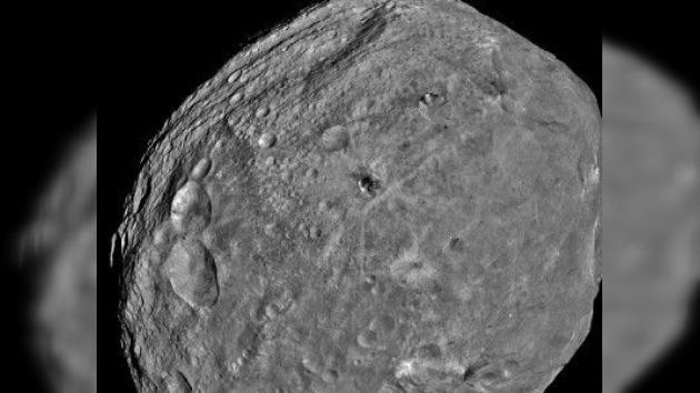 Nuevas fotos de Vesta, el 'padre' de los meteoritos terrestres