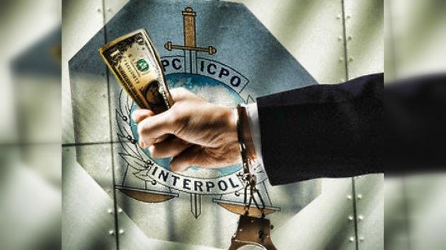 Interpol verificará los beneficios de los funcionarios públicos rusos