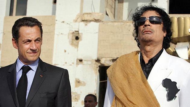 """Un empresario dice tener """"pruebas"""" de que Gaddafi financió la campaña de Sarkozy"""