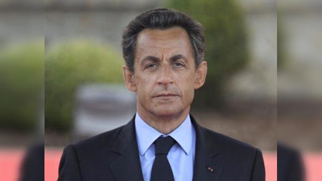 Dos abogados galos quieren que Sarkozy responda por crímenes contra la humanidad en Libia