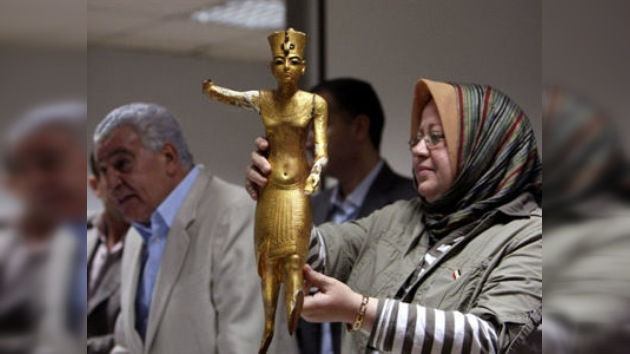 Otros cuatro artefactos robados regresan al Museo Egipcio