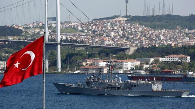 """Experto ruso: """"Turquía debe cerrar los estrechos del mar Negro a EE.UU."""""""