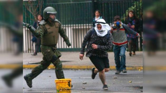 Mapuches chilenos se enfrentan a la policía en el Día de la Raza