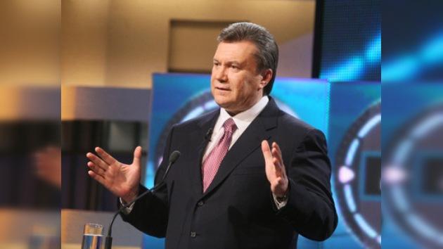 Yanukóvich promete a los rusos residentes en Ucrania que hablarán su idioma