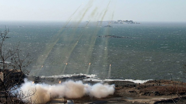 Corea del Norte acusa al Sur de abrir fuego en sus aguas territoriales