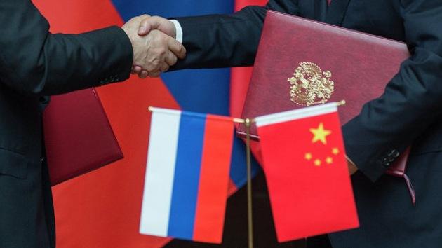 Ciudadanos chinos ponen a Putin como ejemplo para la política exterior de Pekín