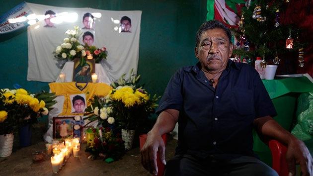 """Padre del estudiante de Ayotzinapa identificado: """"Soñaba con ser maestro"""""""