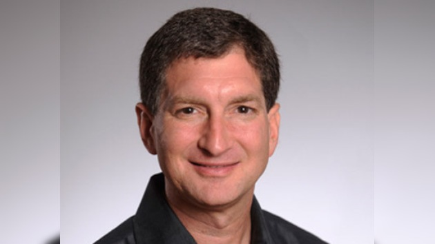 Vicepresidente sénior de Apple deja la empresa por fallos en iPhone 4