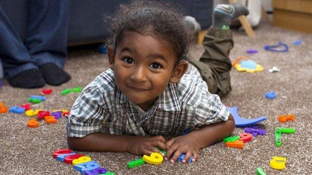 Un niño de dos años es más inteligente que Obama y Cameron