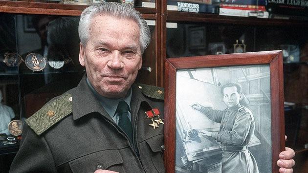 Médicos se esfuerzan para salvar la vida del diseñador del Kaláshnikov