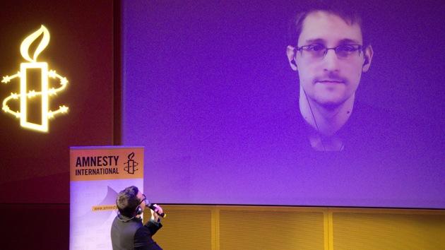 Snowden revela detalles de su vida en Moscú