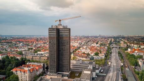 Blick auf das 118 Meter hohe Wohnhaus