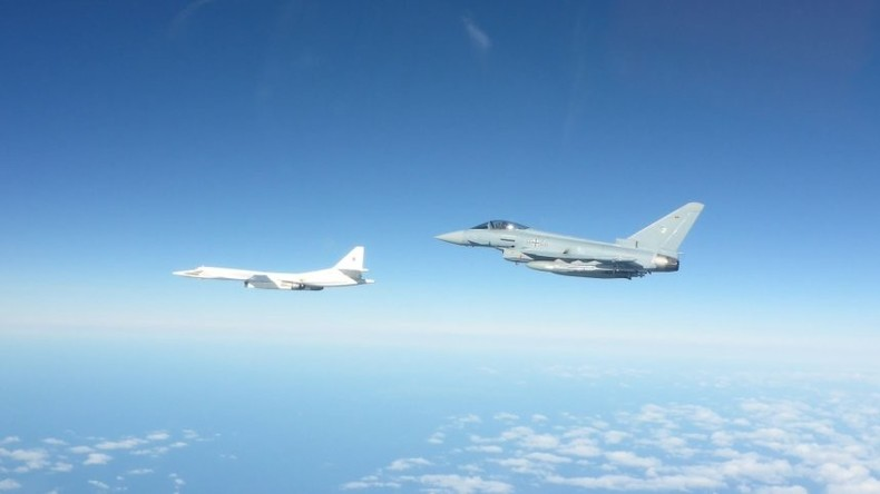 """DPA als NATO-Sprachrohr: Wie man aus nichts eine """"Eurofighter zeigt es den Russen""""-Meldung macht"""
