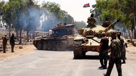 Bereitet sich derzeit auf eine Offensive zur Befreiung der Provinz Idlib vor: die syrische Armee, hier während einer Operation im Juli in der südlichen Provinz Daraa.