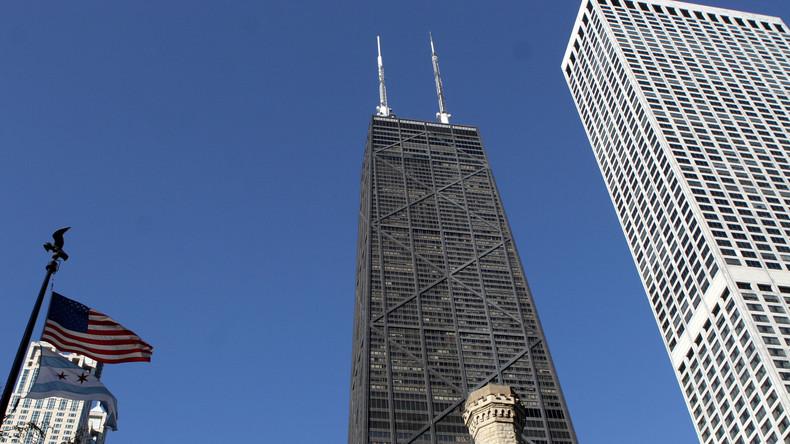 Chicago: Fahrstuhl stürzt im Wolkenkratzer 84 Stockwerke tief – Insassen kommen mit Schock davon