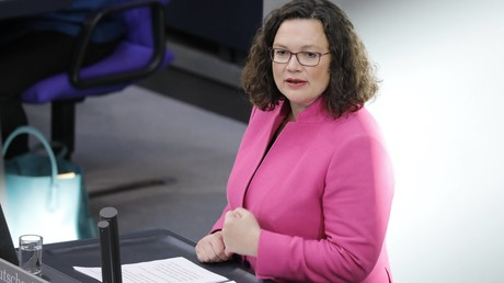 Nicht nur politisch schwer zu unterscheiden: Mittlerweile greift Andrea Nahles auch gerne in den Kleiderschrank der Merkel-CDU.