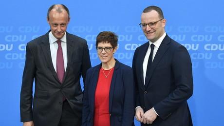 Harmonie vor der Kamera: Die Kandidaten Merz, Kramp-Karrenbauer und Spahn am 8. November in Berlin