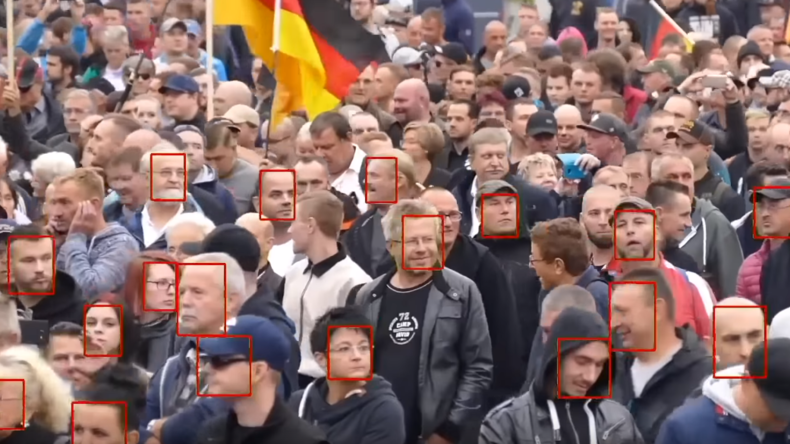 """""""Zentrum für politische Schönheit"""" will Teilnehmer von Chemnitz-Demos bei Arbeitgebern denunzieren"""