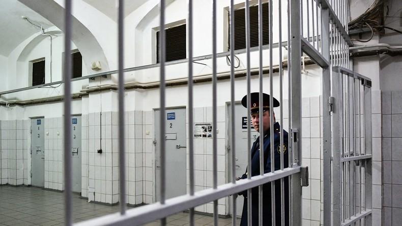 Strafvollzugsbehörde: Zahl der Inhaftierten in russischen Gefängnissen auf Rekordtief