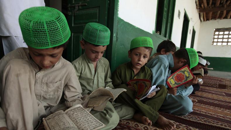 Pakistans Regierung übernimmt Kontrolle über 182 religiöse Schulen