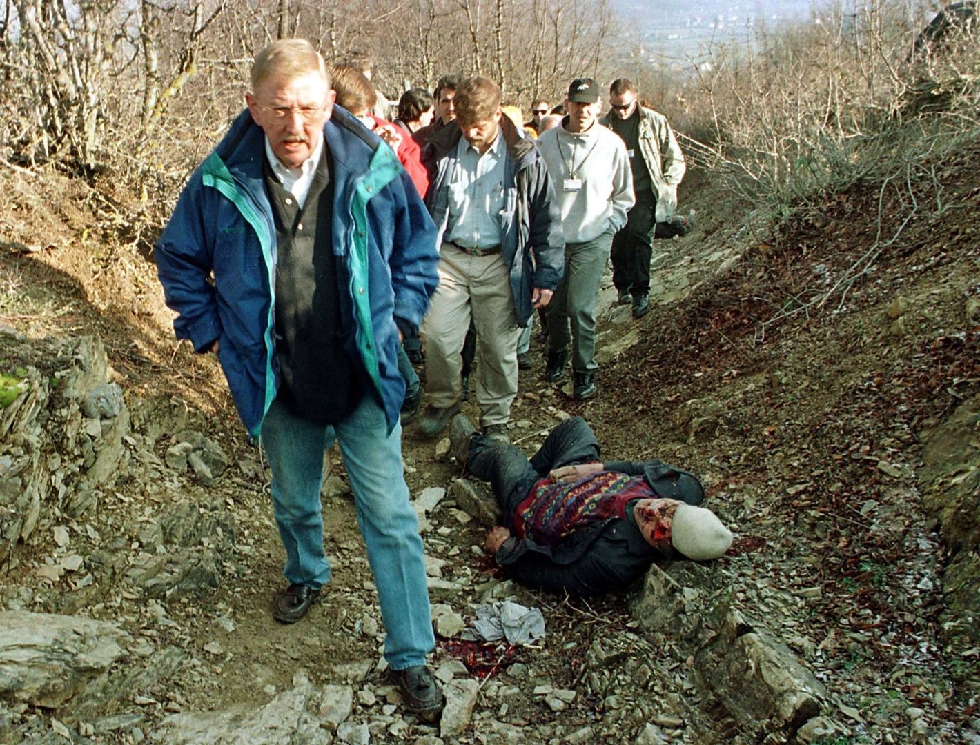 """20 Jahre seit NATO-Angriff auf Jugoslawien: Das """"Račak-Massaker"""" - Teil des NATO-Drehbuchs"""