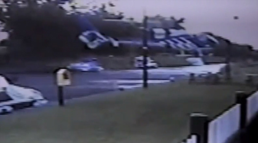British helicopter pilot drops into Irish pub… literally! (VIDEO)