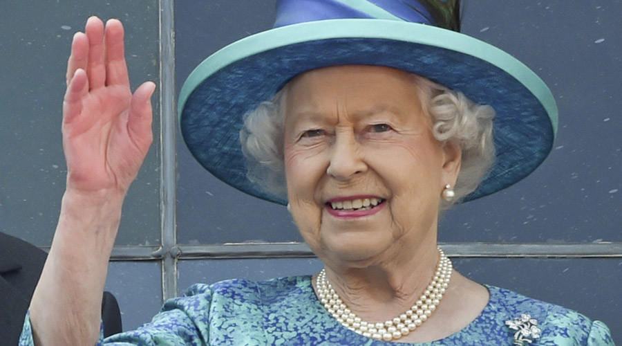 Queen's Nazi salute video: Calls to open Royal archives