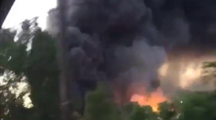 Car warehouse ablaze in New Jersey (VIDEO)