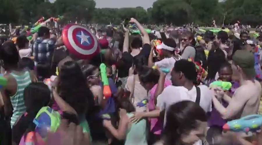 Super soaker: Scores of New Yorkers stage massive Central Park water gun fight (VIDEO)