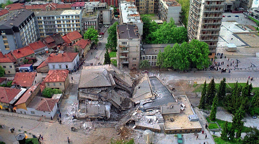 ARCHIVE PHOTO: The main post office building in the town of Uzice, (C) some 200kms southwest of Belgrade, is seen destroyed after last night's NATO air strikes May 9 © YUGOSLAVIA OUT