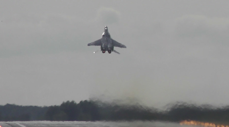 Power vertical: MiG-29 rockets skyward on takeoff (VIDEO)