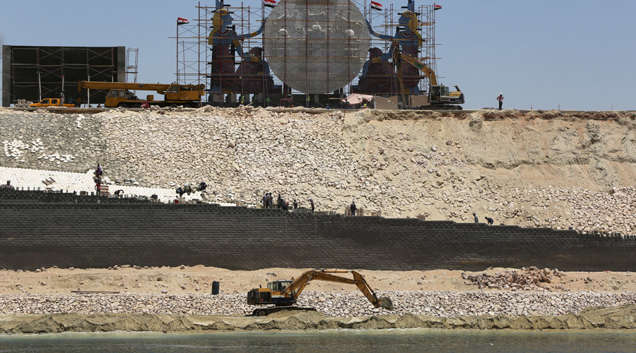 Dredge work is undergoing at the New Suez Canal, Ismailia, Egypt, July 29, 2015 © Mohamed Abd El Ghany