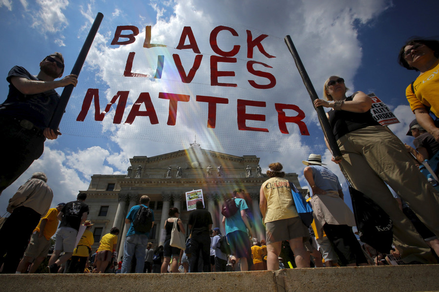 People take part in the Million People's March Against Police Brutality, Racial Injustice and Economic Inequality in Newark, New Jersey © Eduardo Munoz
