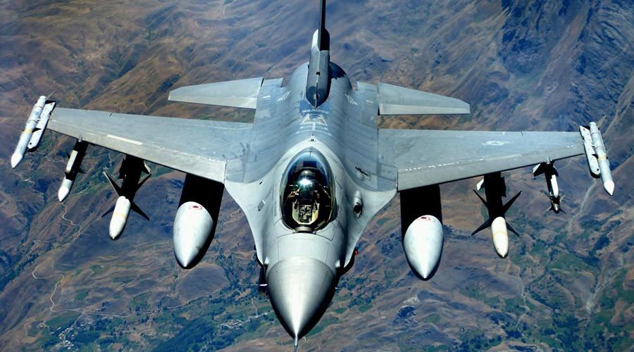 An F-16 Fighting Falcon © James Harper