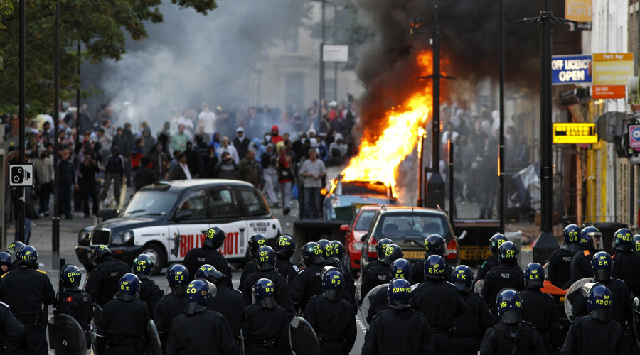 English unrest 4 years on: Police mistrust 'will spark another riot' (VIDEO)