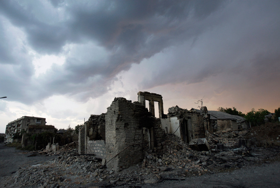 A street destroyed by a Georgian strike is seen in the South Ossetian capital of Tskhinvali, August 17, 2008. © Denis Sinyakov
