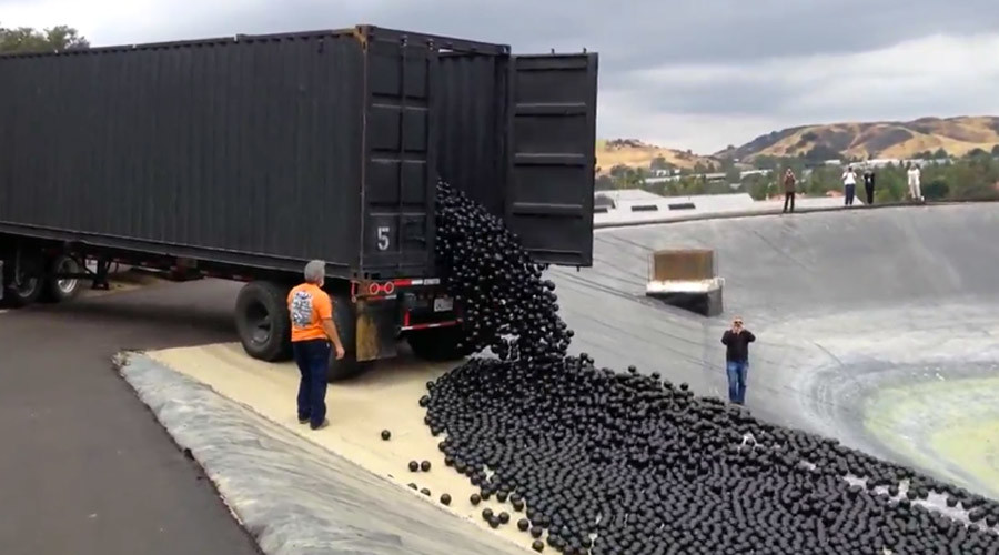 Los Angeles dumps 20K 'shade balls' into reservoir to stop evaporation
