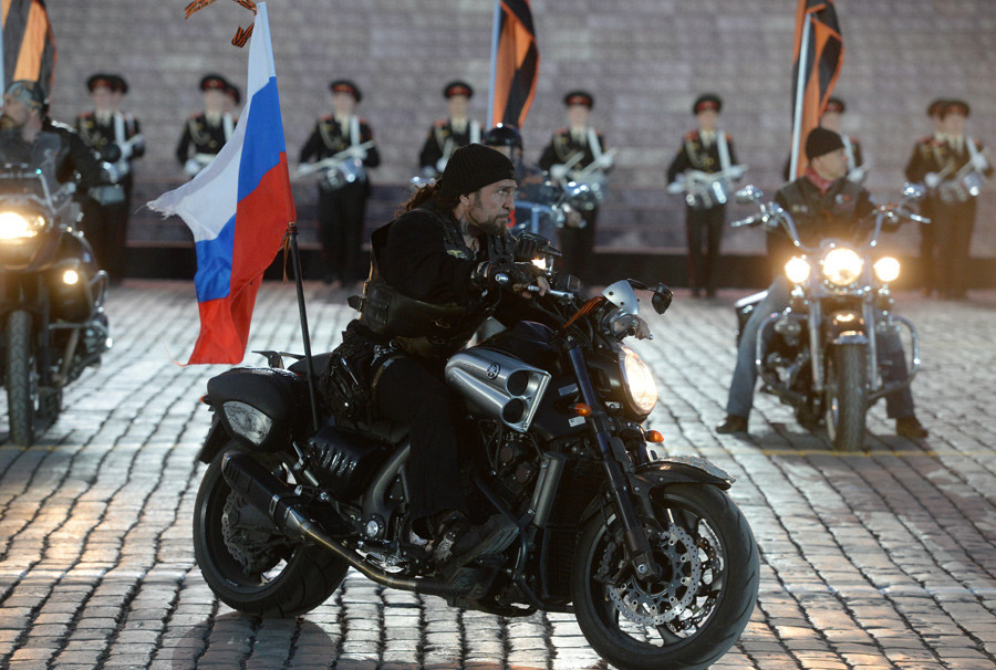 Alexander 'The Surgeon' Zaldostanov, center, leader of the Night Wolves bikers' club © Iliya Pitalev