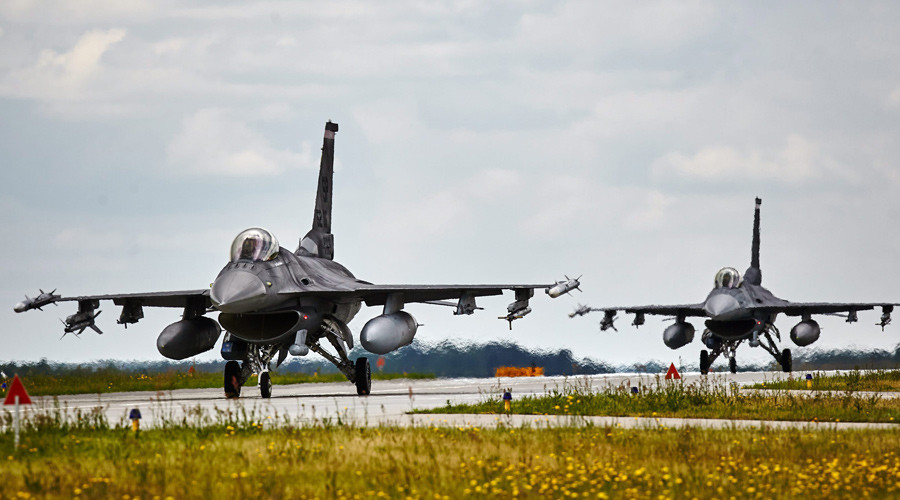 Air Force base in Lask, Poland © Tomasz Stanczak / Agencja Gazeta