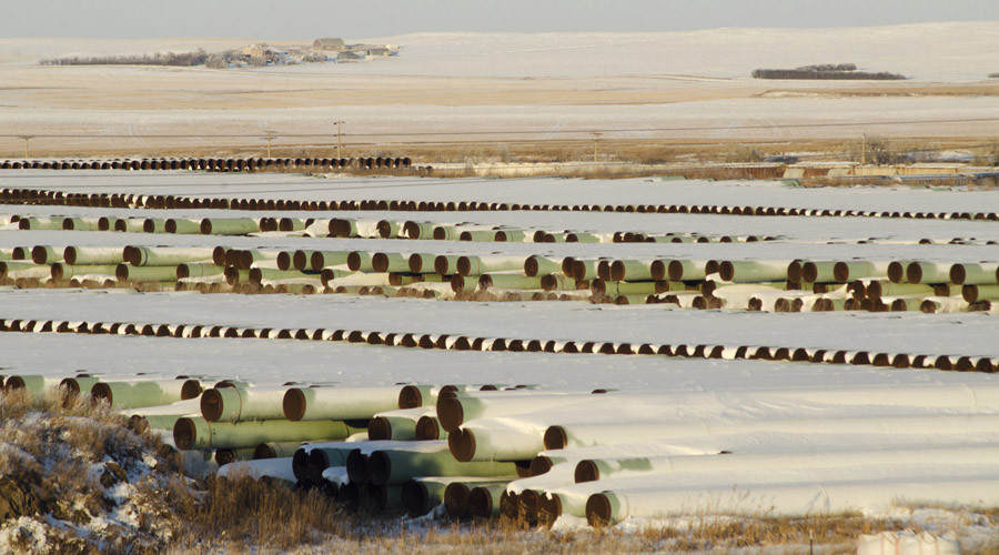 A depot used to store pipes for Transcanada Corp's planned Keystone XL oil pipeline is seen in Gascoyne, North Dakota November 14, 2014. © Andrew Cullen