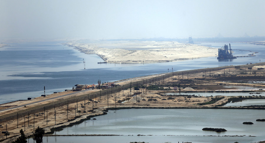 """A general view of the Suez Canal from Al Salam """"Peace"""" bridge on the Ismalia desert road before the opening ceremony of the New Suez Canal, in Egypt, August 6, 2015. © Amr Dalsh"""