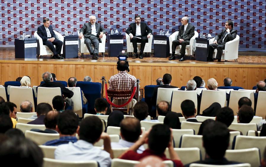 Nuclear deal review meeting in Tehran August 9, 2015. © Raheb Homavandi