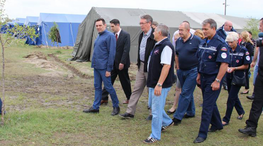 Russian-Serbian delegation, accompanied by UN representative visit Kanjiza refugee camp, August 22, 2015 photo by Russian-Serbian Humanitarian Center
