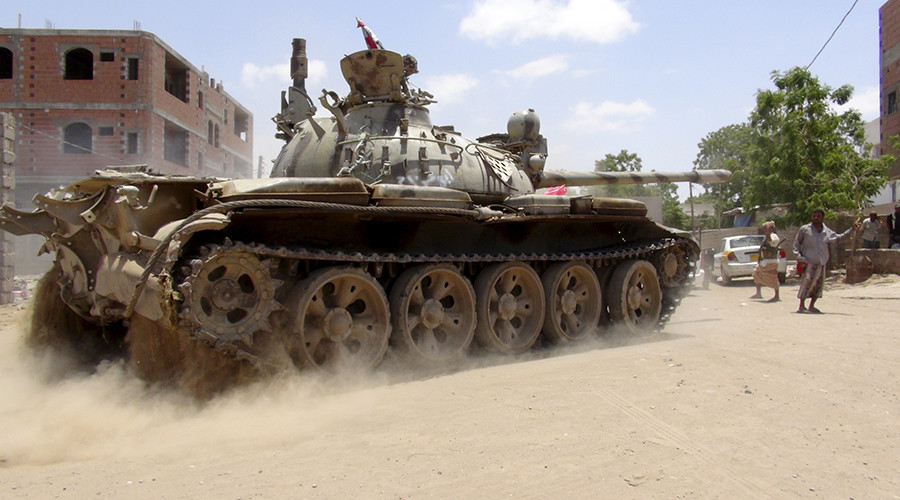 Al-Qaeda overruns parts of strategic Yemeni port 'liberated' by Saudi-led coalition