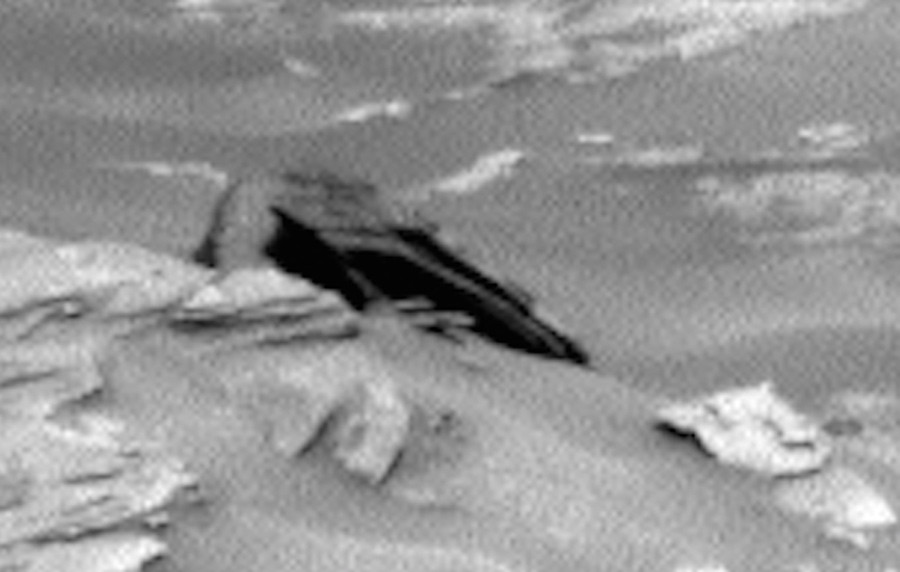 Star Destroyer found on Mars? 'Crashed UFO' resembles famous Star Wars ship 55db1d9bc46188d36e8b457e