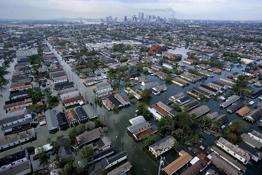 An aerial view of the devastation caused by high winds and heavy flooding in the greater New Orleans area following Hurricane Katrina in Baton Rouge, Louisiana August 30, 2005. © Vincent Laforet