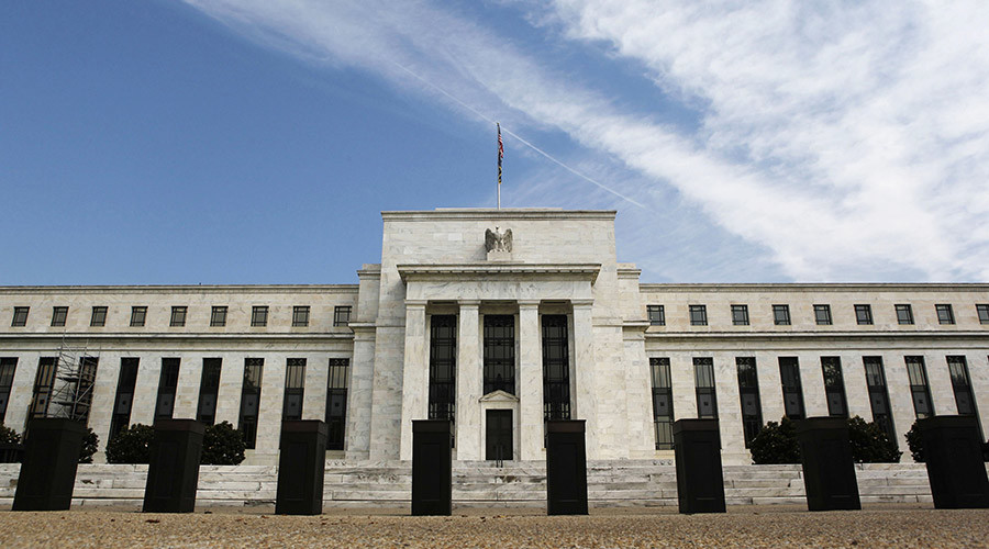 A view shows the Federal Reserve building © Larry Downing