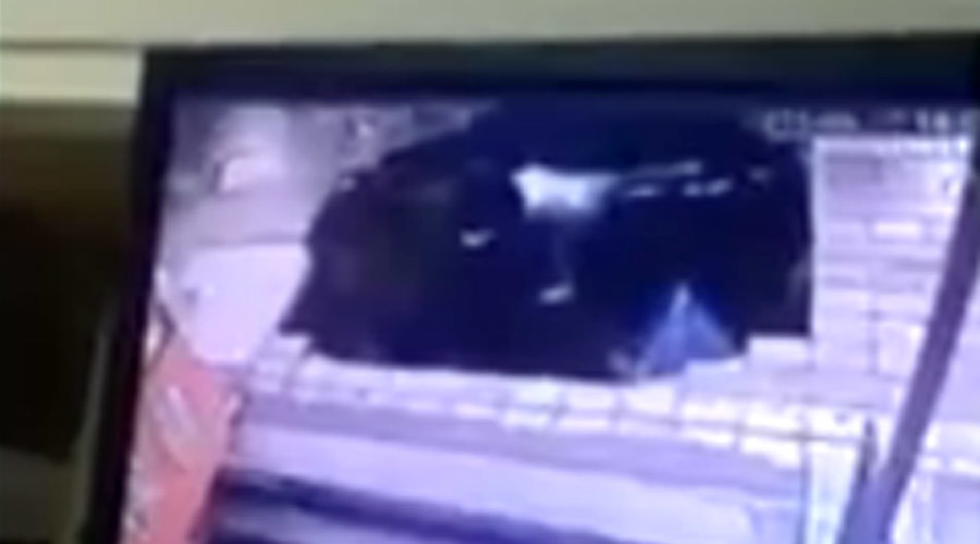 Dramatic footage shows sinkhole swallowing people at Chinese bus stop (VIDEO)